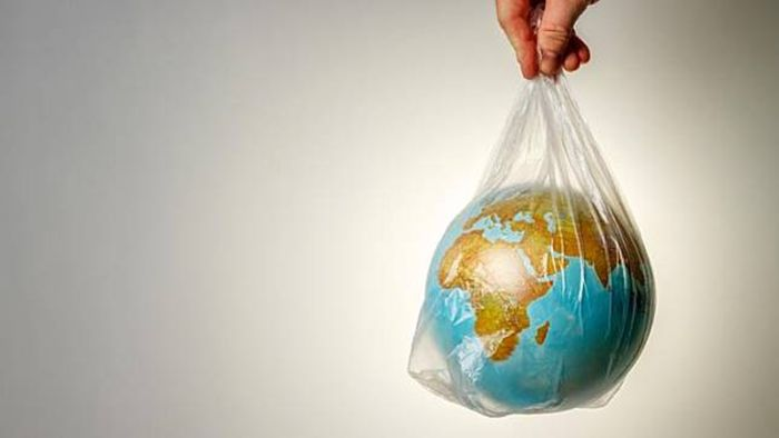 https: img-k.okeinfo.net content 2019 08 13 298 2091178 viral-trik-hindari-sampah-plastik-bawa-bekal-makanan-pakai-kotak-cream-pelembap-P8h4EkRqFW.jpg