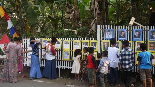 Semarakkan HUT Ke-74 RI, Warga Rumpin Bogor Pajang Foto Pahlawan di Pinggir Jalan : Okezone ...