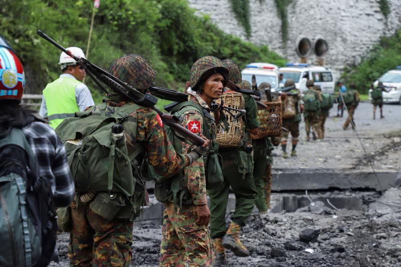 https: img-k.okeinfo.net content 2019 08 16 18 2092661 serangan-pemberontak-ke-kota-militer-myanmar-tewaskan-sedikitnya-14-orang-ZvZt5pQWhf.jpg