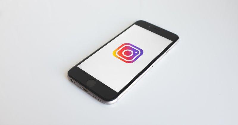 https: img-k.okeinfo.net content 2019 08 16 207 2092736 berantas-hoaks-instagram-bakal-hadirkan-fitur-tandai-posting-an-FnjeEx1BX4.jpg