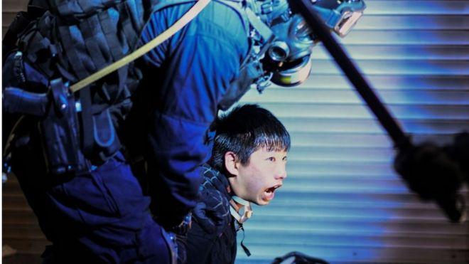 https: img-k.okeinfo.net content 2019 08 19 18 2093648 kepolisian-hong-kong-kami-tak-perlu-bantuan-beijing-X72VoU194W.jpg