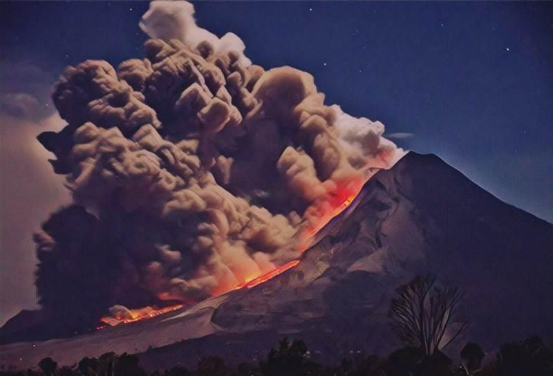https: img-k.okeinfo.net content 2019 08 19 337 2093666 begini-geliat-7-gunung-api-paling-aktif-di-indonesia-sepekan-lalu-9RKGl2RgQ3.jfif