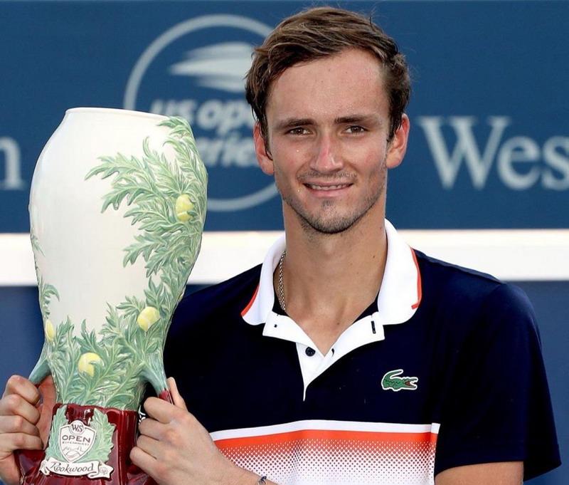 https: img-k.okeinfo.net content 2019 08 19 40 2093809 girangnya-medvedev-segel-gelar-juara-cincinnati-masters-2019-eGVt62jcJW.jpg