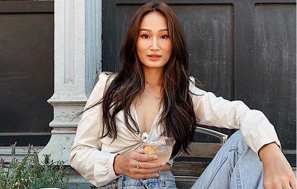 https: img-k.okeinfo.net content 2019 08 21 194 2094655 lepas-ekstensi-bulu-mata-beauty-blogger-asal-singapura-tuai-pujian-9vYeUCAaXU.jpg