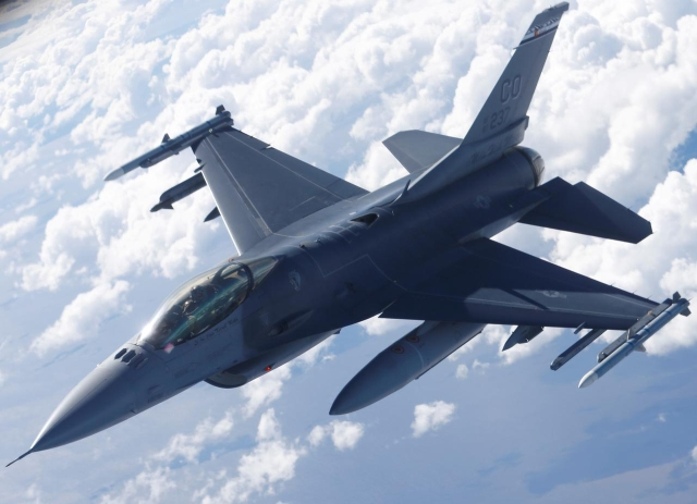 https: img-k.okeinfo.net content 2019 08 24 18 2096145 china-sebut-penjualan-jet-tempur-as-ke-taiwan-sangat-berbahaya-m6nkwg5scR.jpg