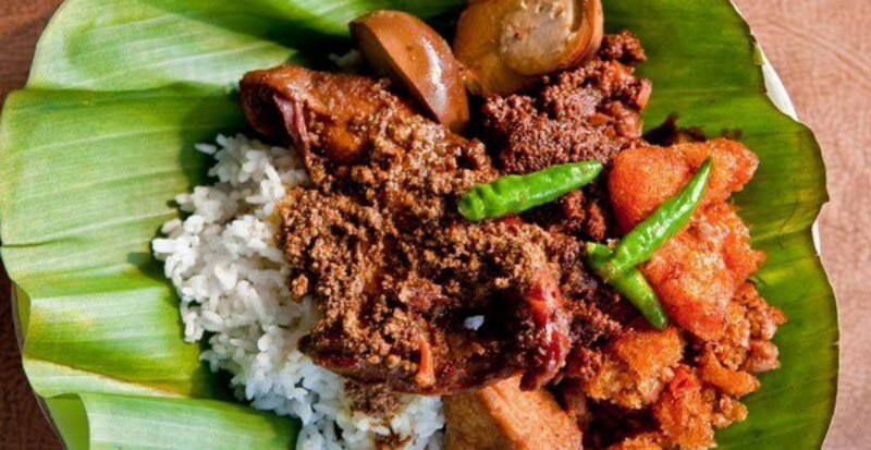 https: img-k.okeinfo.net content 2019 08 24 298 2096219 5-tempat-kuliner-khas-jawa-timur-di-jakarta-rasanya-wenak-tenan-fID9gK1Aiu.jpg