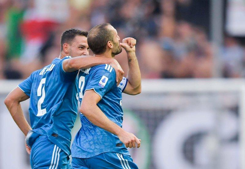 https: img-k.okeinfo.net content 2019 08 25 47 2096258 gol-ronaldo-dianulir-juventus-menang-1-0-atas-parma-MBv550ZxEL.jpg