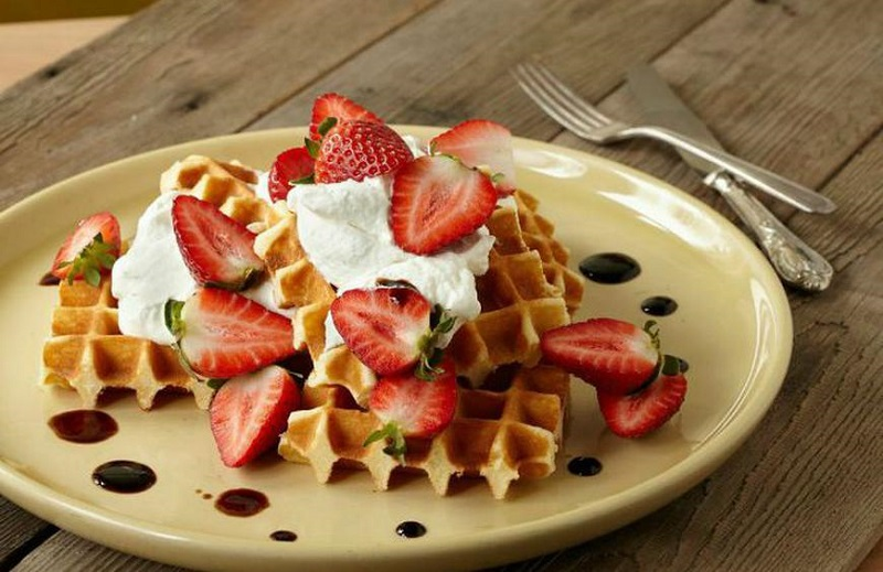 https: img-k.okeinfo.net content 2019 08 27 298 2097255 resep-camilan-enak-bikin-waffle-belgia-ala-restoran-di-rumah-yuk-nvdq0NFAkM.jpg