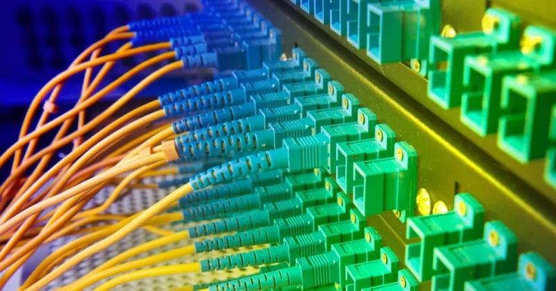 https: img-k.okeinfo.net content 2019 08 31 54 2098966 insiden-pemotongan-kabel-fiber-optik-rugikan-konsumen-ini-kata-apjii-dbuCiEjr2w.jpg