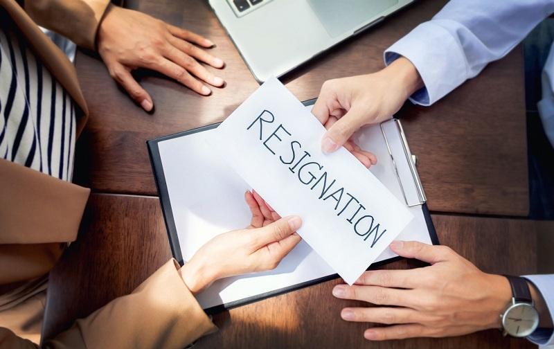 https: img-k.okeinfo.net content 2019 09 01 196 2099276 ingin-resign-dari-pekerjaan-karena-tak-sesuai-passion-perhatikan-hal-ini-6gIpc1FcyR.jpg