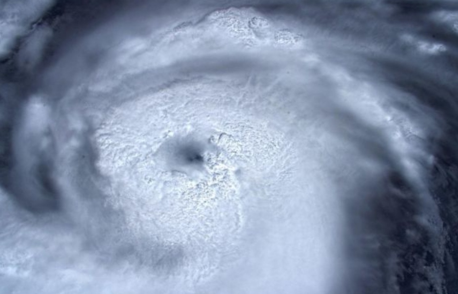 https: img-k.okeinfo.net content 2019 09 01 56 2099254 badai-dorian-yang-akan-terjang-as-semakin-kuat-EbSAdVdtqz.jpg