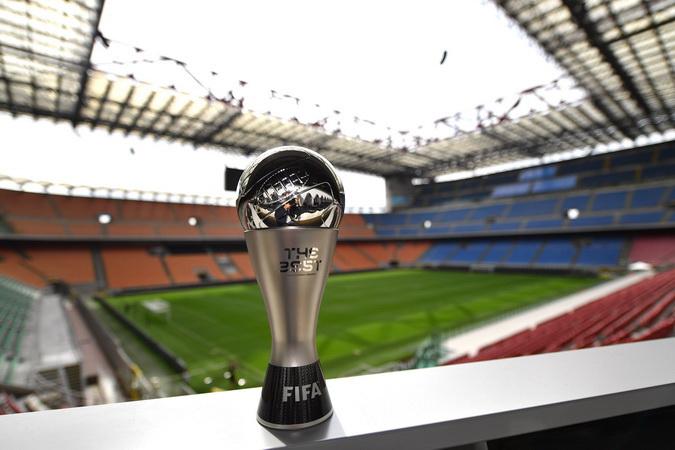 https: img-k.okeinfo.net content 2019 09 03 51 2099965 alasan-fifa-jadikan-van-dijk-messi-dan-ronaldo-sebagai-calon-pemain-terbaik-2019-JI8ZoFuShU.jpg