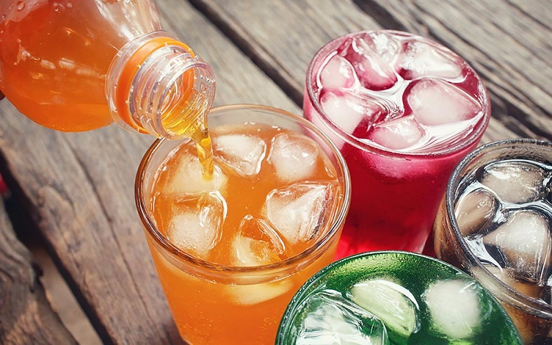https: img-k.okeinfo.net content 2019 09 05 481 2100851 sering-minum-soda-waspada-ancaman-risiko-kematian-dini-4jZObCwglH.jpg