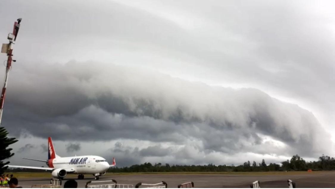 https: img-k.okeinfo.net content 2019 09 06 340 2101443 jarak-pandang-bandara-iskandar-hanya-700-meter-akibat-kabut-asap-penerbangan-delay-YgS7pXwsu4.jpeg