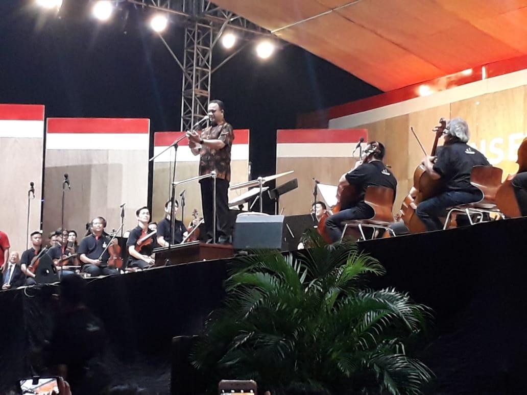 https: img-k.okeinfo.net content 2019 09 08 338 2102210 konser-akbar-di-monas-jakarta-diharapkan-jadi-kota-musik-bertaraf-internasional-fyHzncgrEq.jpg