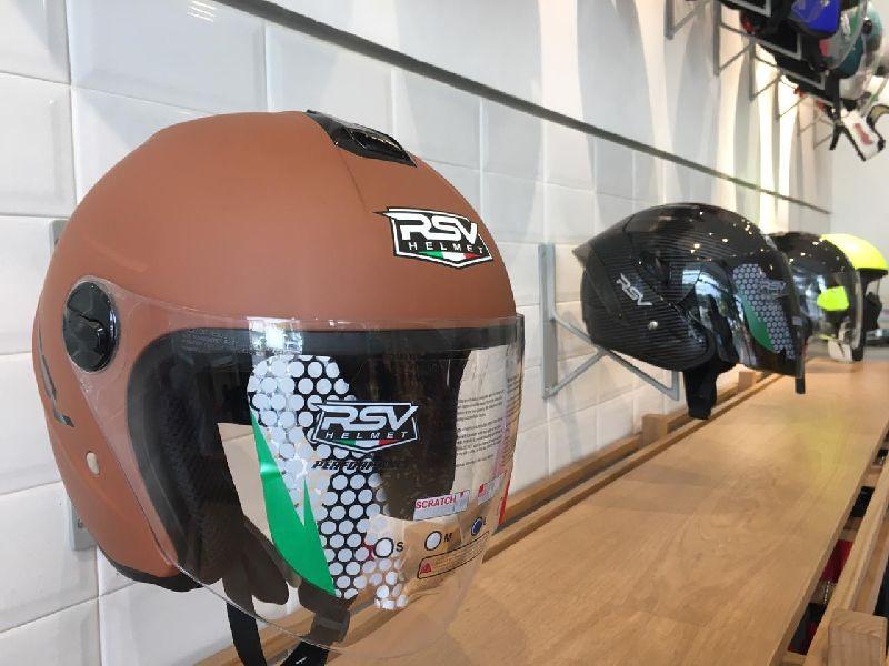 https: img-k.okeinfo.net content 2019 09 08 87 2102115 cara-mengetahui-ukuran-helm-yang-nyaman-bagi-bikers-QObA4Zw0R7.jpg