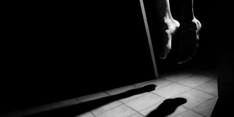 https: img-k.okeinfo.net content 2019 09 09 338 2102251 terlilit-utang-wanita-paruh-baya-ditemukan-tewas-gantung-diri-di-depok-mJlfvYbmBF.jpg
