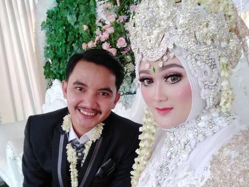https: img-k.okeinfo.net content 2019 09 11 337 2103391 viral-iseng-nikah-nikahan-berujung-kenyataan-ENyseuGn8G.jpg