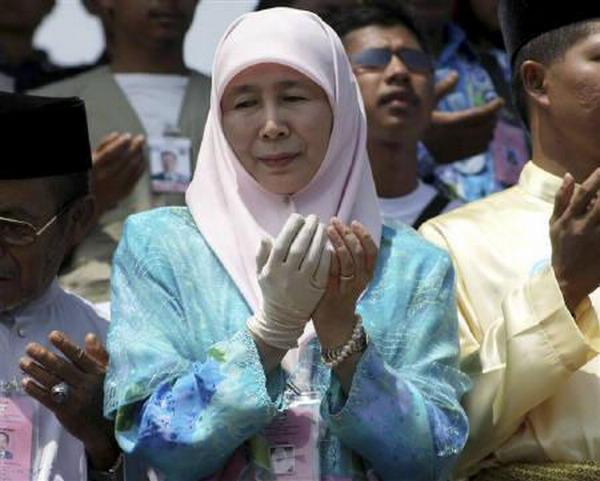https: img-k.okeinfo.net content 2019 09 12 18 2103941 wakil-pm-malaysia-hadiri-pemakaman-bj-habibie-di-tmp-kalibata-GA5m8cdrKd.jpg