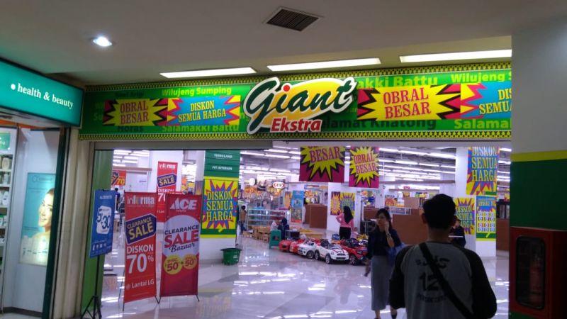 https: img-k.okeinfo.net content 2019 09 12 320 2104158 giant-poins-square-cuci-gudang-mau-tutup-Qza5gQvFAi.jpg