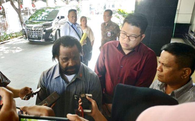 https: img-k.okeinfo.net content 2019 09 12 337 2103761 lenis-kogoya-sambut-baik-rencana-jokowi-bangun-istana-di-papua-ufbebsmAql.jpg