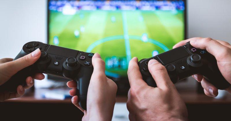 https: img-k.okeinfo.net content 2019 09 13 326 2104399 46-gamer-di-indonesia-didominasi-karyawan-kantoran-ZAbrNI1BNv.jpg