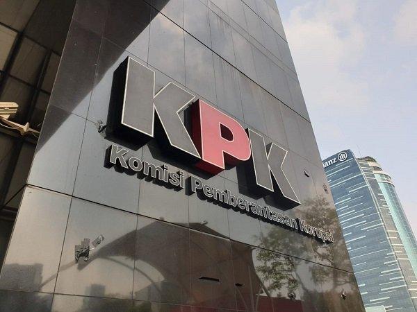 https: img-k.okeinfo.net content 2019 09 14 337 2104711 icw-tanggapi-jokowi-yang-tolak-4-poin-revisi-uu-kpk-t4nKkimycT.jpg
