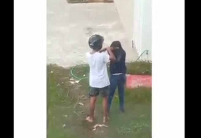 https: img-k.okeinfo.net content 2019 09 16 337 2105421 heboh-video-pria-berhelm-kasari-perempuan-NvVnZfApdn.jpg