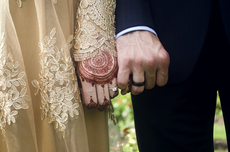 https: img-k.okeinfo.net content 2019 09 16 618 2105351 doa-melindungi-suami-dari-godaan-pelakor-fUDSM1LcIx.jpg
