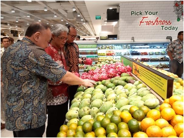 https: img-k.okeinfo.net content 2019 09 19 11 2106842 hero-supermarket-casa-domaine-sediakan-produk-impor-dan-lokal-berkualitas-gmCoqybEpz.jpg
