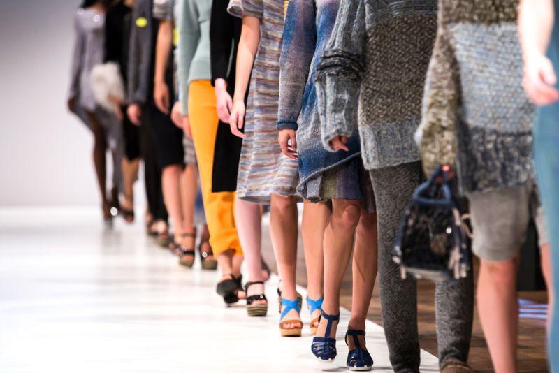 https: img-k.okeinfo.net content 2019 09 19 194 2106801 cerita-tuty-adib-desainer-iriana-jokowi-yang-tembus-new-york-fashion-week-hjONrRGDae.jpg