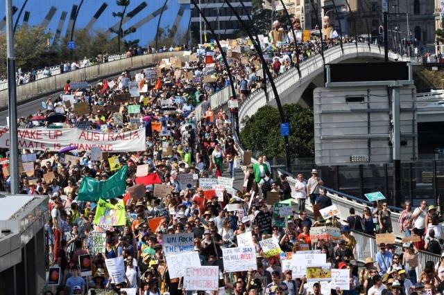 https: img-k.okeinfo.net content 2019 09 20 18 2107343 pelajar-australia-dan-asia-melawan-perubahan-iklim-9KaxBv7Tdu.jpg