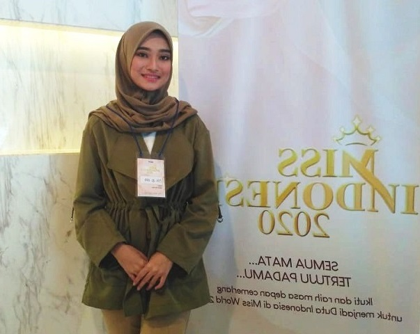 https: img-k.okeinfo.net content 2019 09 23 194 2108049 ikuti-audisi-miss-indonesia-2020-gadis-berhijab-ini-ingin-kenalkan-budaya-indonesia-ke-dunia-uFJXI4aVMj.jpg