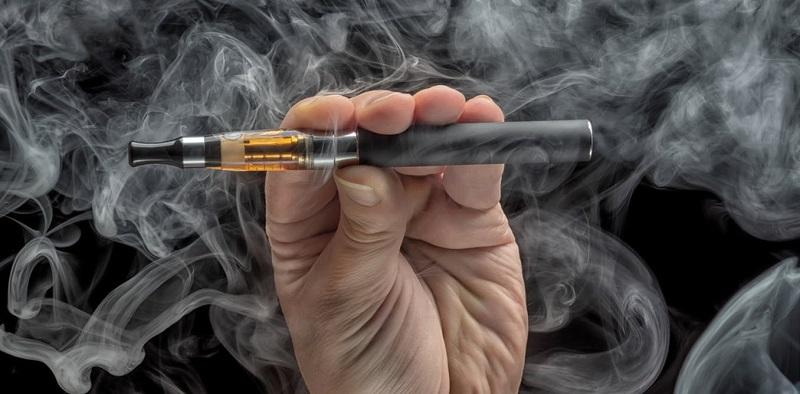 https: img-k.okeinfo.net content 2019 09 24 481 2108862 bisa-sebabkan-kematian-idi-rokok-elektronik-bukan-alternatif-terbaik-berhenti-merokok-7RzJLUzzIX.jpg