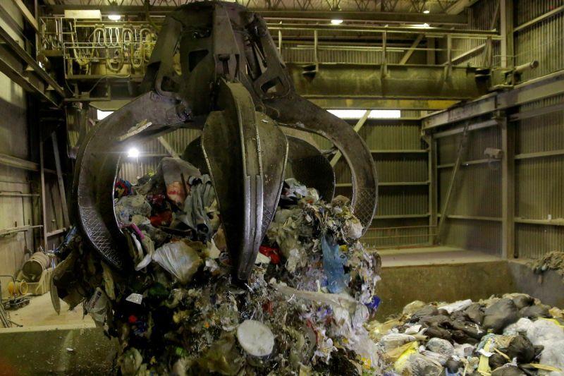 https: img-k.okeinfo.net content 2019 09 26 470 2109530 ini-3-tempat-pemakan-sampah-yang-buat-lingkungan-bersih-QoA1s2a4V7.jpg