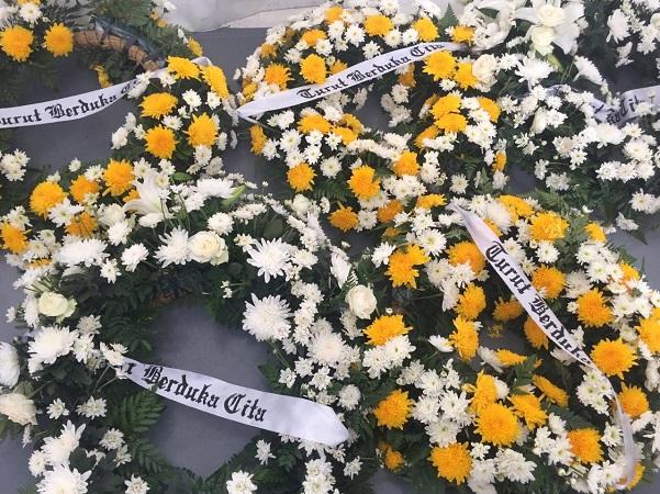 https: img-k.okeinfo.net content 2019 09 29 337 2110688 wartawan-senior-aristides-katoppo-meninggal-dunia-OOYApJTvnD.jpg