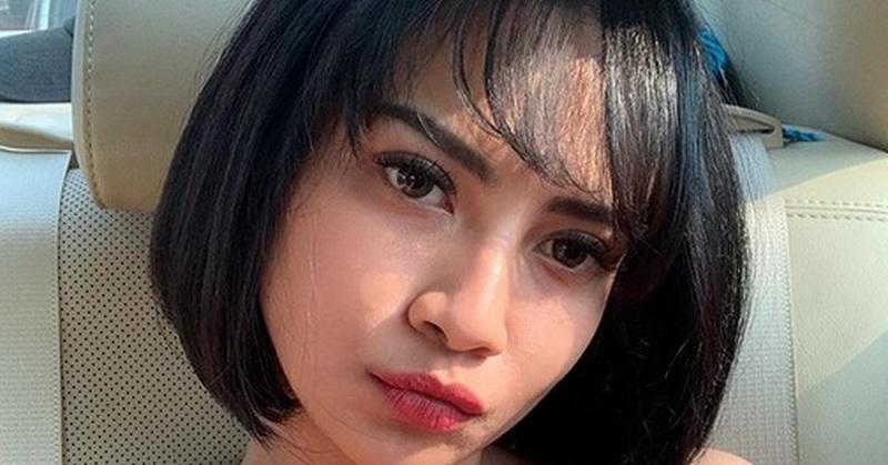 https: img-k.okeinfo.net content 2019 09 30 33 2110977 pose-seksi-vanessa-angel-di-pantai-netizen-salah-fokus-ke-dada-JR8hfBVJi5.jpg