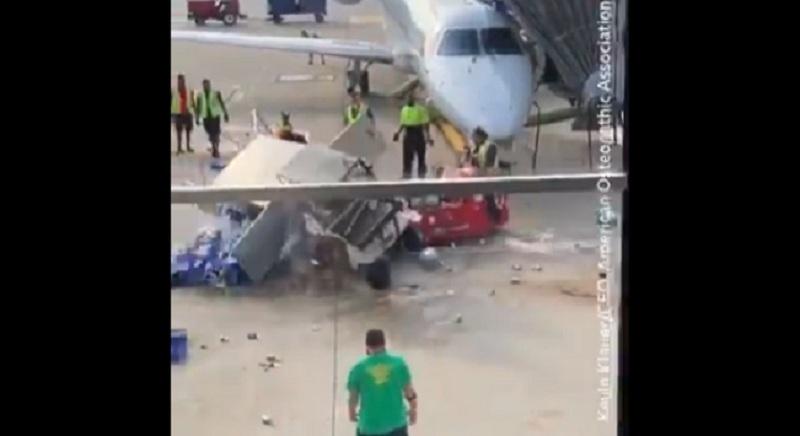 https: img-k.okeinfo.net content 2019 10 02 320 2111977 viral-mobil-pengangkut-makanan-di-bandara-berputar-tak-terkendali-FTqmHUJZAU.jpg