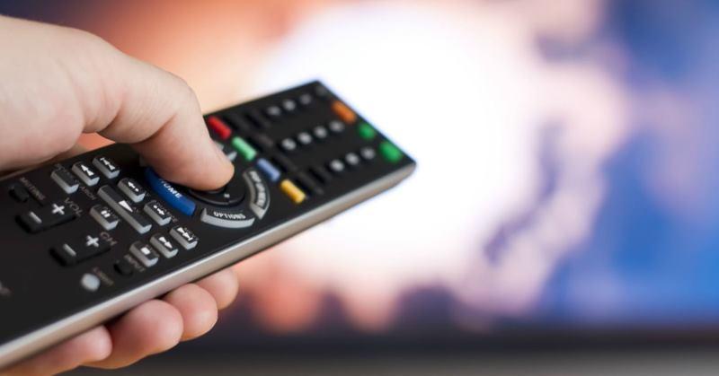 https: img-k.okeinfo.net content 2019 10 03 207 2112509 pengamat-hukum-tv-parabola-kabel-berlangganan-siarkan-fta-tanpa-izin-jelas-pembajakan-harus-ditindak-RfTa08bGmZ.jpg