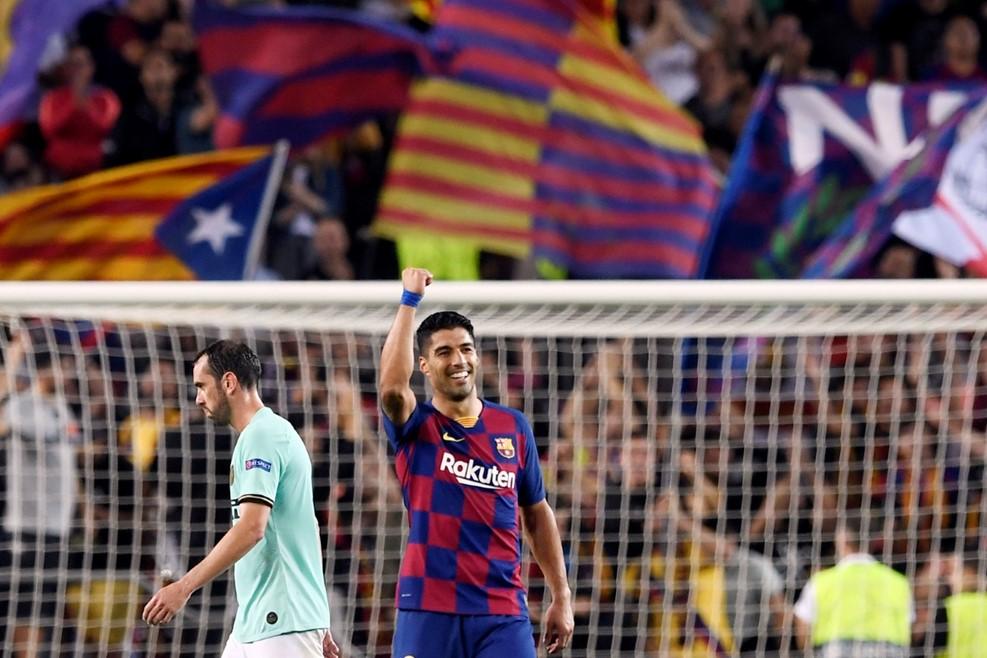 https: img-k.okeinfo.net content 2019 10 03 261 2112236 selamatkan-barcelona-dari-kekalahan-suarez-dipuji-valverde-CRJju93kW4.jpg