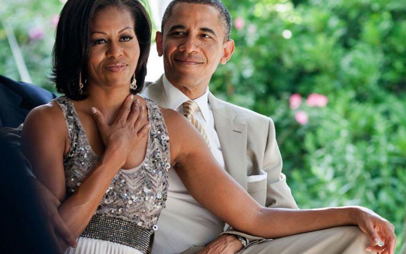 https: img-k.okeinfo.net content 2019 10 04 196 2112741 mesranya-barack-obama-dan-michelle-rayakan-ulang-tahun-pernikahan-sederhana-banget-Dgx4Aglv0u.jpg