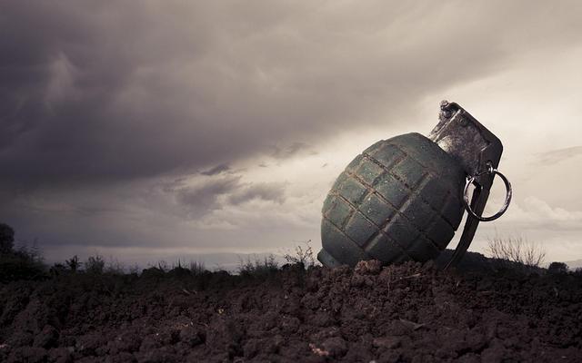 https: img-k.okeinfo.net content 2019 10 06 18 2113440 serangan-granat-di-kashmir-4-orang-terluka-yTFWd7GWtG.jpg