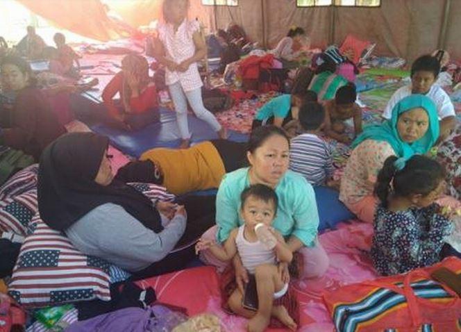 https: img-k.okeinfo.net content 2019 10 07 337 2113686 pengungsi-korban-rusuh-wamena-asal-jawa-barat-besok-dipulangkan-VHxjyWFkDm.JPG