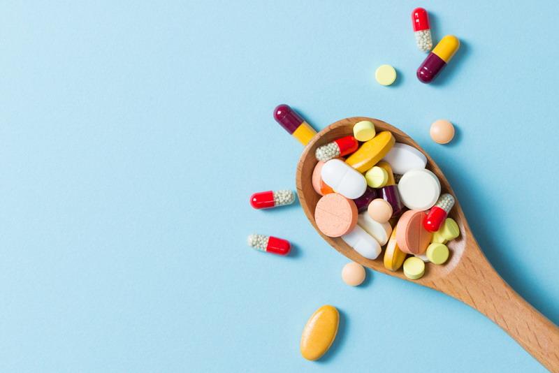 penyakit lambung tersebut harus menggunakan obat lain. Jumlahnya cukup banyak dan kemanjurannya dinilai sama.
