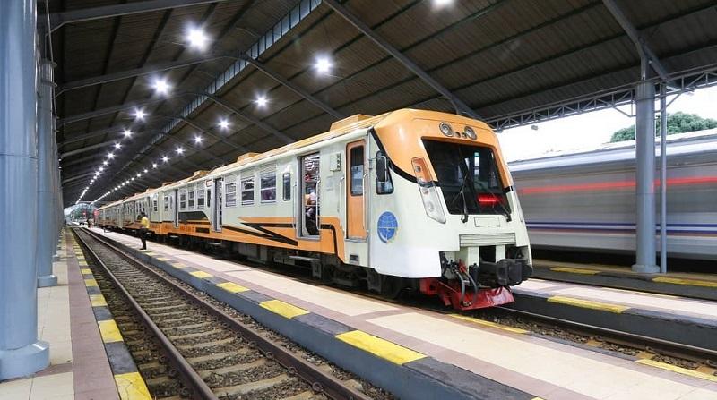 https: img-k.okeinfo.net content 2019 10 08 406 2114315 5-stasiun-kereta-api-paling-romantis-dan-ikonik-di-indonesia-gcT3pEdeXA.jpg