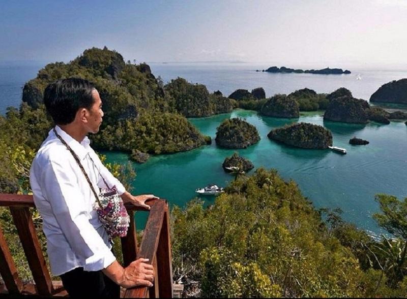 https: img-k.okeinfo.net content 2019 10 09 406 2114910 pakar-pariwisata-potensi-wisata-indonesia-hanya-sekadar-political-words-6YtbYvUM6k.jpg