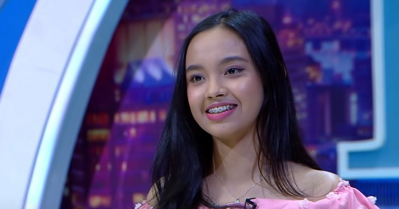 https: img-k.okeinfo.net content 2019 10 09 598 2114798 lyodra-tampilkan-teknik-whistle-juri-indonesian-idol-2019-menyerah-DmZ4KReeew.jpg