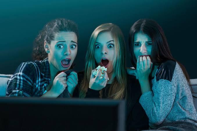 https: img-k.okeinfo.net content 2019 10 09 611 2114729 menonton-film-horor-dan-komedi-percepat-munculnya-tanda-penuaan-kok-bisa-Uu38f9ZZtr.jpg