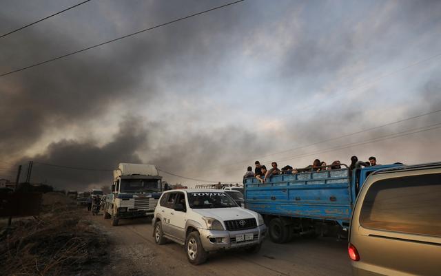 https: img-k.okeinfo.net content 2019 10 11 18 2115566 turki-gempur-milisi-kurdi-suriah-tewaskan-ratusan-orang-puluhan-ribu-mengungsi-PjskIZkqia.jpg
