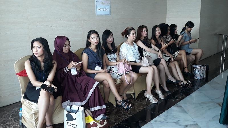 https: img-k.okeinfo.net content 2019 10 13 194 2116439 audisi-miss-indonesia-di-yogyakarta-diikuti-peserta-dari-berbagai-provinsi-PWzIT44iAD.jpg